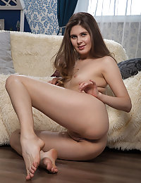 Luna Pica bares her sexy, slender body and smooth pussy in front of the camera.