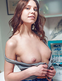 Barbara Vie is in the mood for a kitchen tease before she prepares dinner